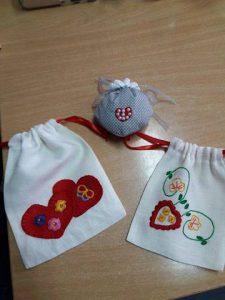 Trabalho artesanal feito pelos utentes da APPACDM: sacos de pano