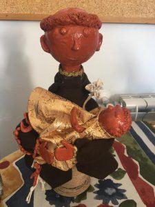 Trabalho artesanal alusivo ao Santo António em barro feito pelos utentes da APPACDM