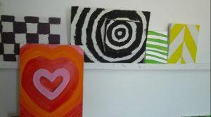 Quadros pintados pelos utentes da APPACDM