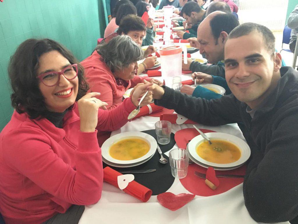 Utentes da APPACDM a almoçar no Centro de Atividades Ocupacionais